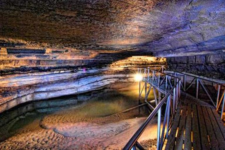 These 7 Caves In Kentucky Are Like Entering Another World