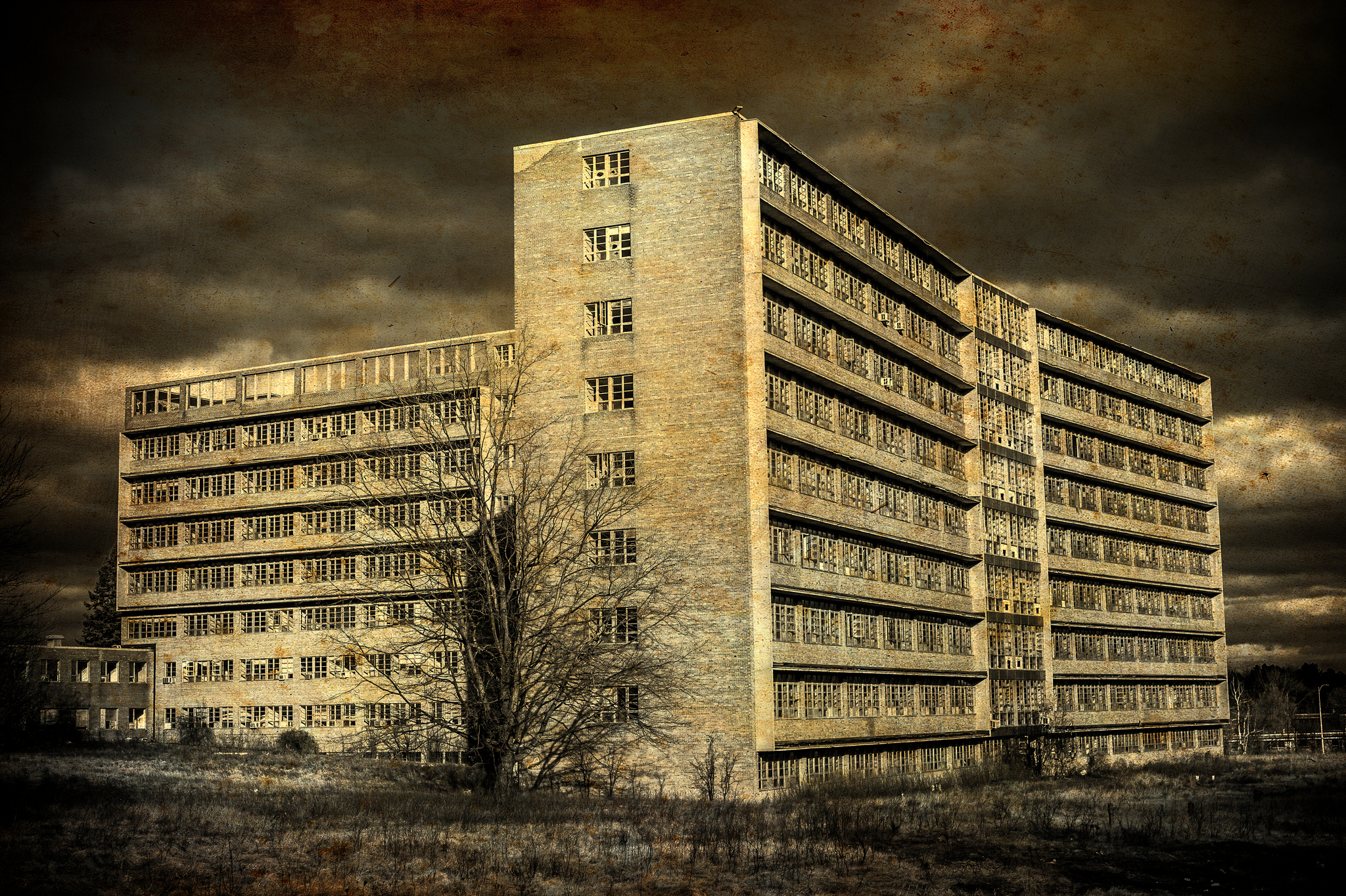 This Abandoned Michigan Asylum Is Still Standing And Still Creepy