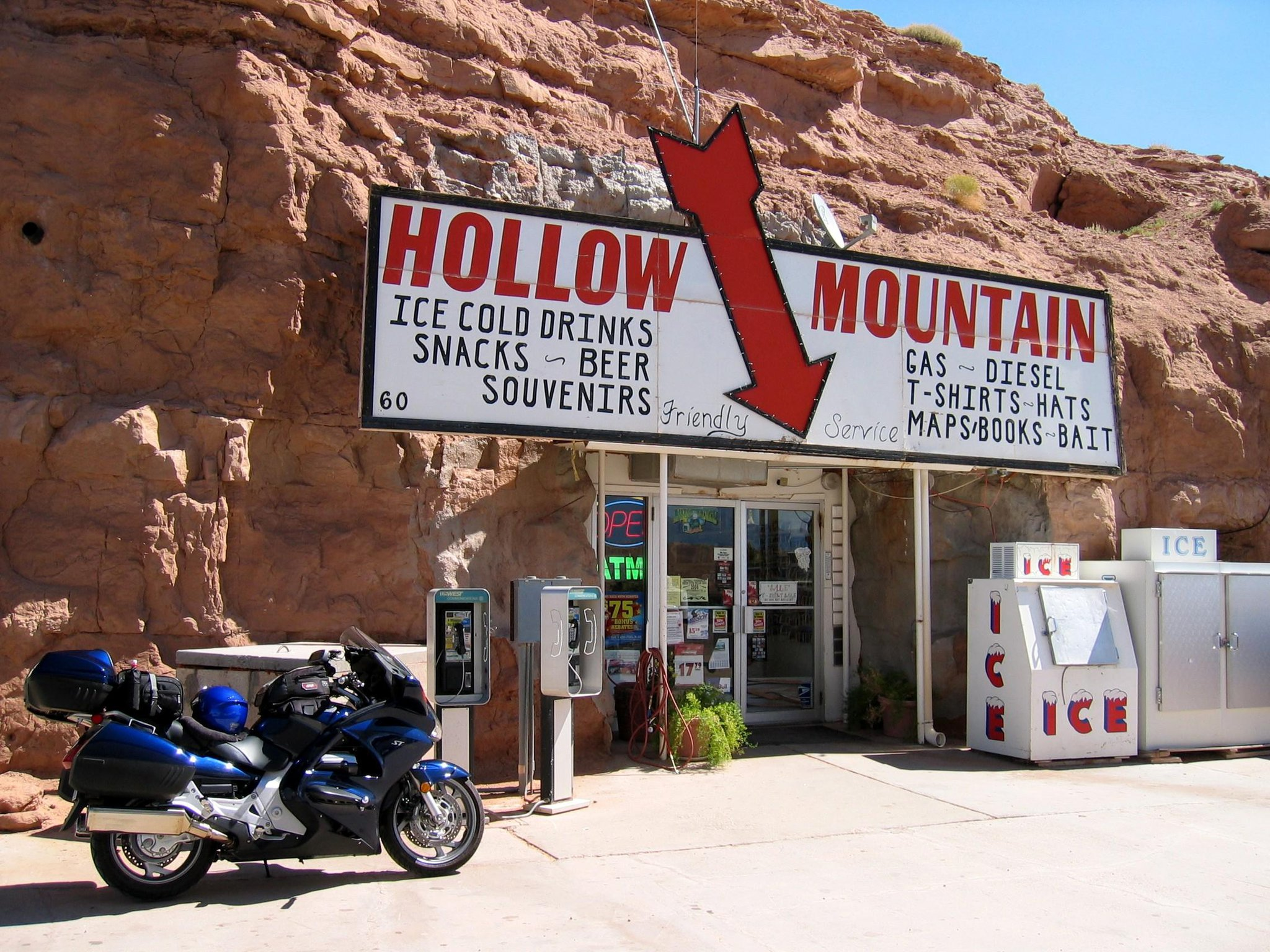 This Utah Gas Station Is In The Most Unlikely Place Ever