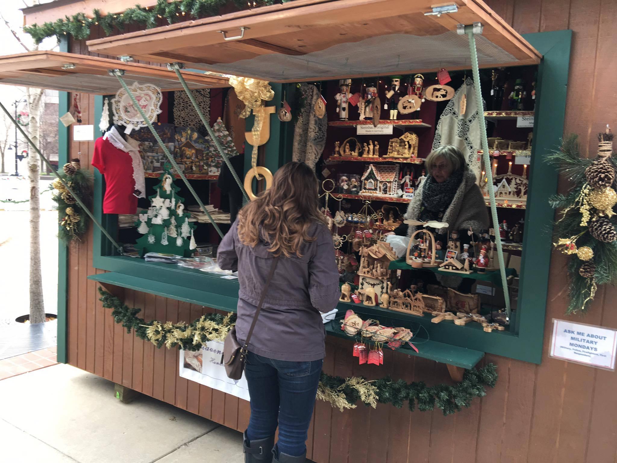 Belleville Il Christmas Market 2021 The Belleville Christkindlmarkt Is The Best German Christmas Market In Illinois