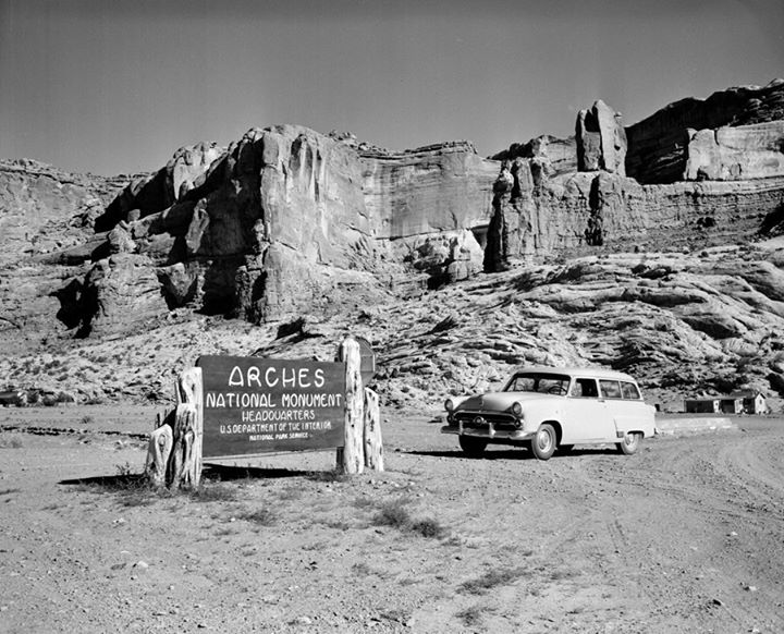 These Before And After Pics Of Arches National Park In Utah Show Just How Much It Has Changed