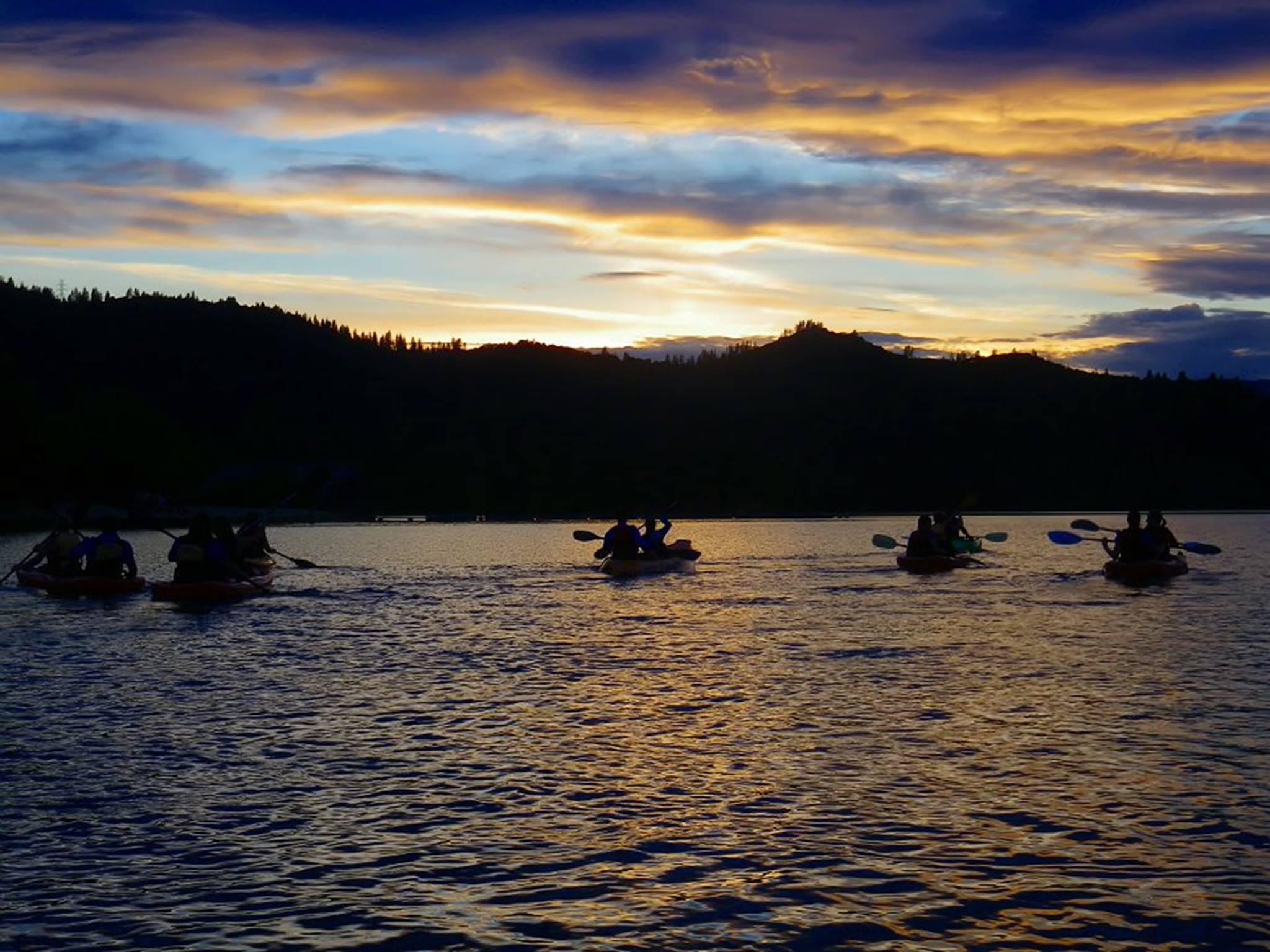 The Moonlight Kayaking Tour Across Whiskeytown Lake In Northern California Belongs On Your Bucket List