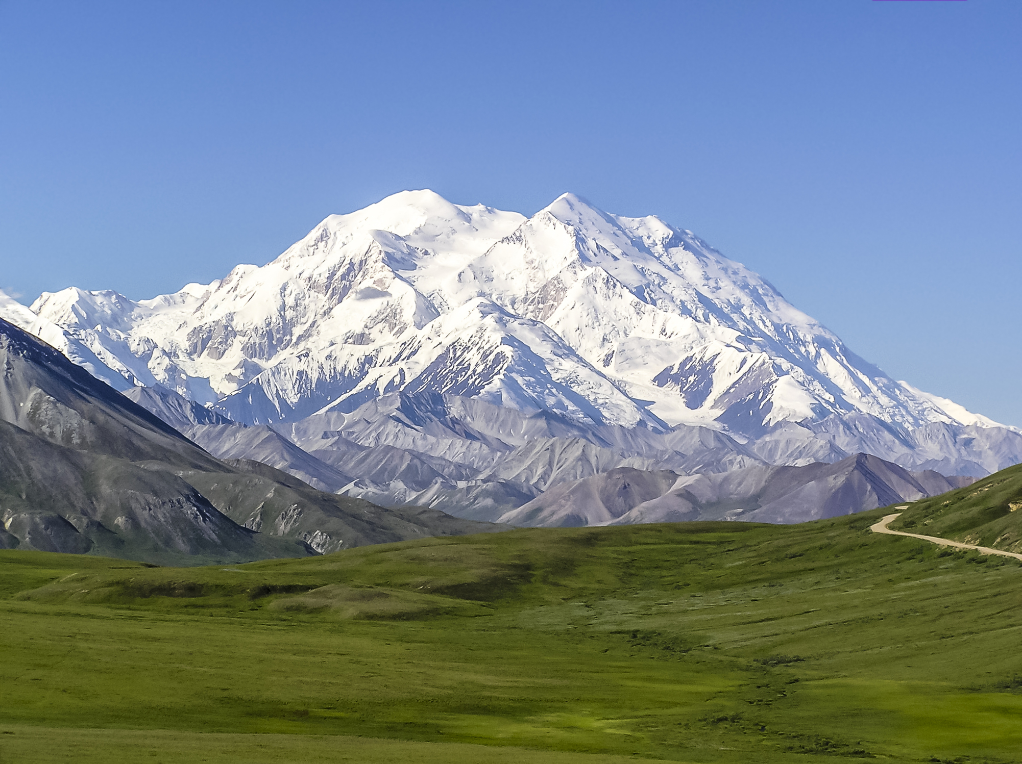 The Seven Biggest Mountains In The United States Are All In Alaska And They Will Take Your Breath Away