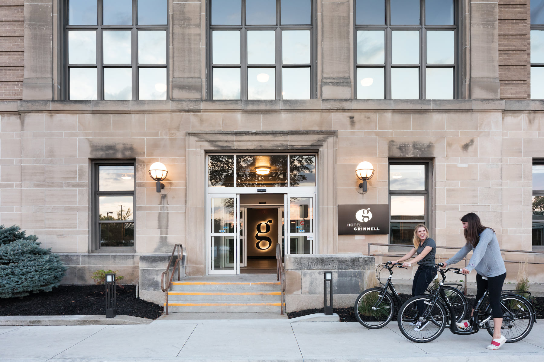 This Old Iowa School Is Now A Hotel With More Class Than Any Classroom