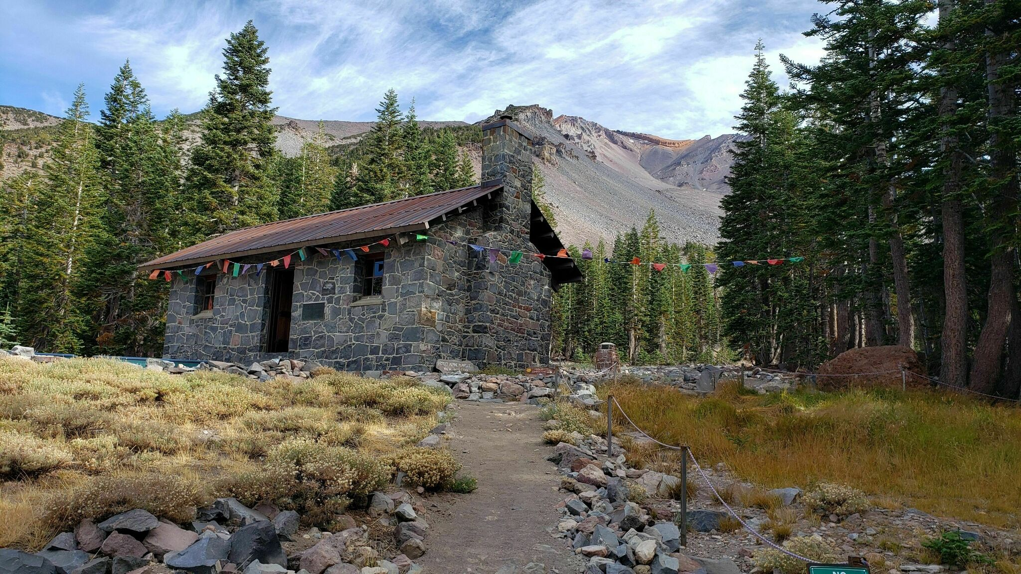 This 3.5-Mile Trail In Northern California's Mt. Shasta Wilderness Leads Straight To A Historic Alpine Lodge